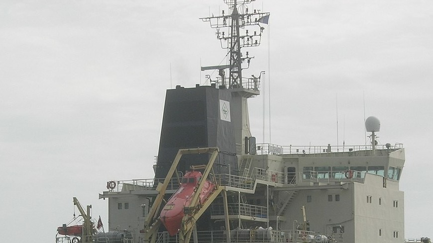 Китай не исключил взрыва горящего иранского танкера