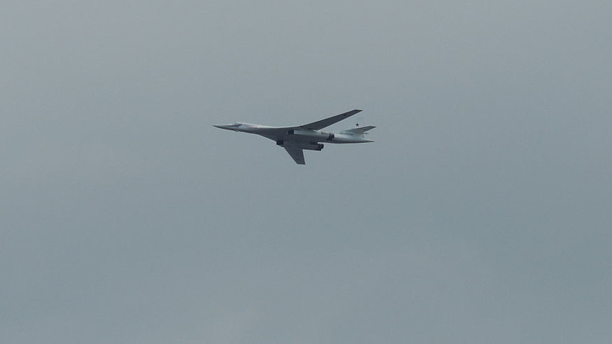 «Белые лебеди» на Черном континенте: Ту-160 прилетели в ЮАР