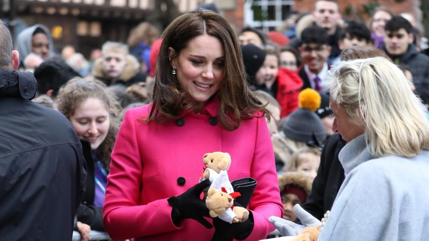 Журналисты выяснили пол будущего ребенка Кейт Миддлтон по ее пальто