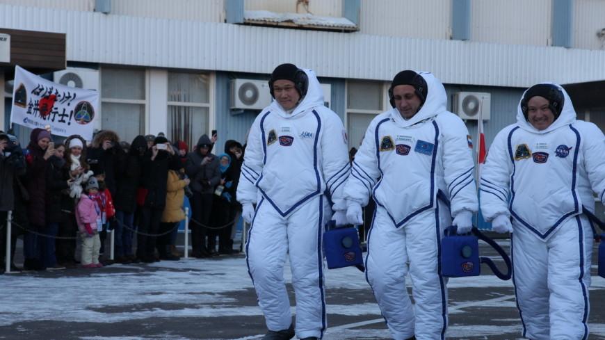 Японский астронавт признался, что вырос вовсе не на 9 см