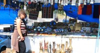 Торговые палатки около озера Севан,Армения, торговля, сувенир, сосуд,