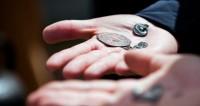 В центре Москвы нашли старинные монеты и предметы быта