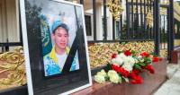 В посольстве Казахстана открыли книгу соболезнований в связи с гибелью Тена