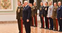 Лукашенко вручил генеральские погоны офицерам ВС, МВД и таможни