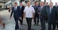 Лукашенко посетил авиаремонтный завод в Витебской области
