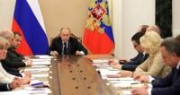 Путин обсудил с членами правительства устранение последствий паводков
