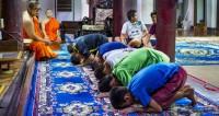 Спасенные из пещеры в Таиланде подростки и их тренер стали монахами