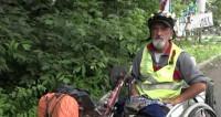 Ему все по плечу: мужчина проехал всю Россию в инвалидной коляске