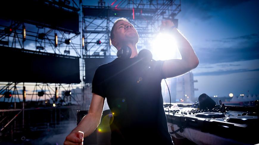 DJ Smash хочет посадить в тюрьму тех, кто избил его в ночном клубе