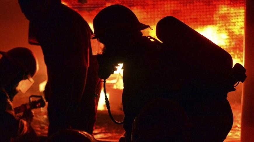 "Фото: Chief John Edwards, ""Минобороны США"":http://www.defense.gov/, пожарные сша, пожар, пожарные"