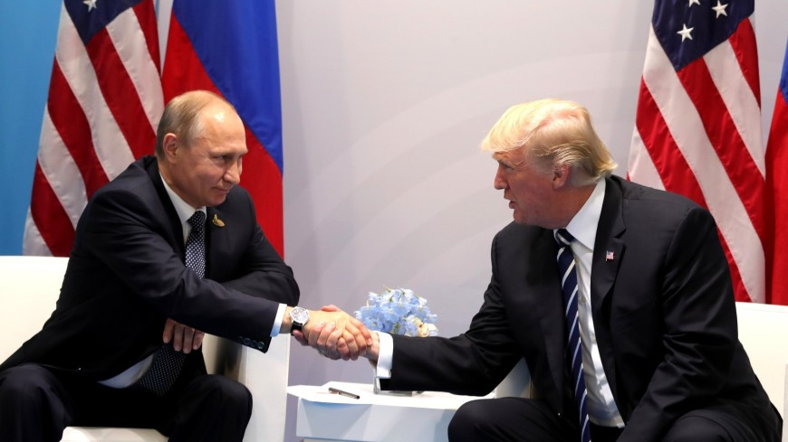 Опрос: Более трети россиян уверены, что Путин и Трамп поладили