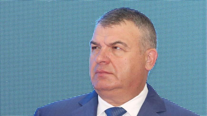 Сердюков рассказал о свадьбе с Васильевой