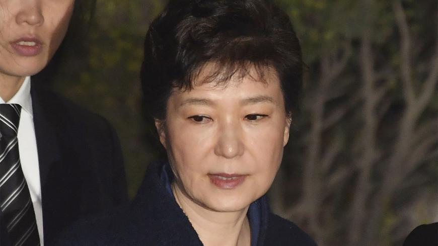 Экс-президент Южной Кореи приговорена к восьми годам тюрьмы