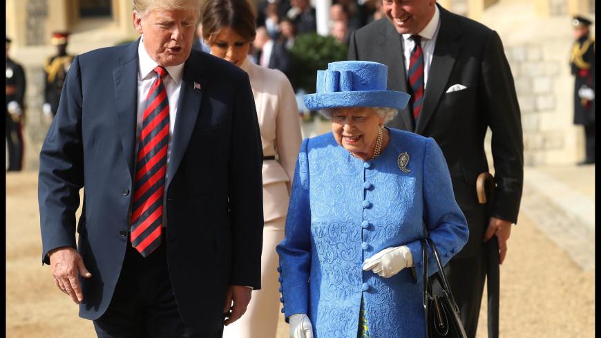 В брошах британской королевы обнаружили скрытое послание для Трампа