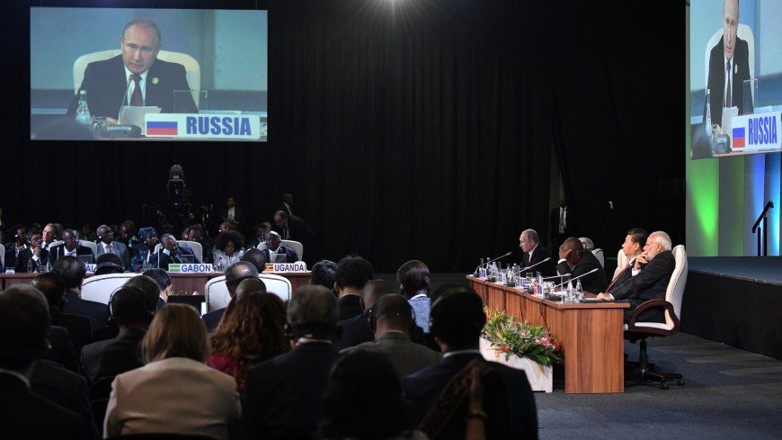 Страны БРИКС будут развивать расчеты в национальных валютах