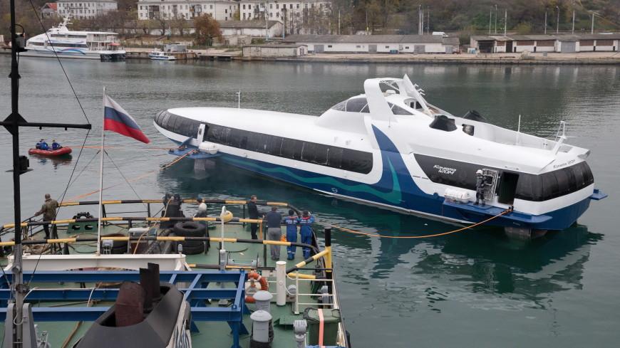 Медведев открыл морское сообщение между Севастополем и Ялтой