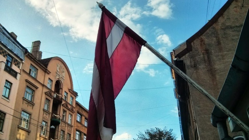 """Фото: Евгений Жуков, """"«МИР 24»"""":http://mir24.tv/, флаг латвии, латвия, рига"""