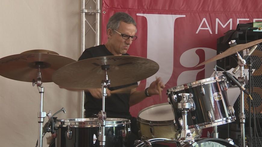 «Джаз Бернстайна»: в Бишкек приехали известные американские музыканты