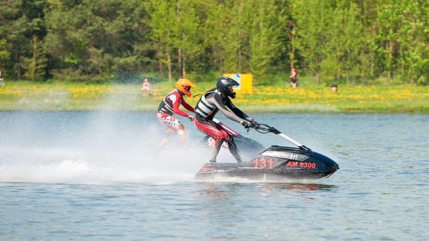 """Фото: Анна Тимошенко (МТРК «Мир») """"«Мир 24»"""":http://mir24.tv/, гидроцикл, водные виды спорта, водный вид спорта, водный мотоцикл, аквабайк"""