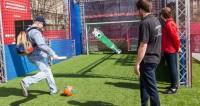 Спортдайджест: голбаса для болельщиков и дом за флаг любимой команды