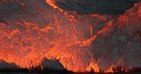 Потоки лавы сожгли несколько деревень в Гватемале