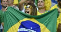 Бразильские футболисты превратили тренировку в семейный праздник