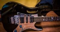 В США умер известный блюзовый гитарист Эдди Клируотер