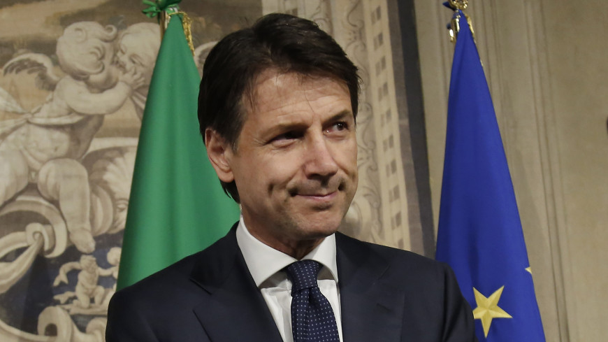 Путин поздравил Конте со вступлением в должность премьера Италии