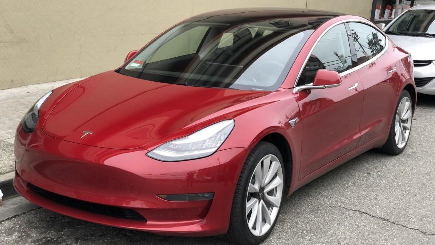 Краш-тесты: электрокар Tesla Model 3 признан безопасным на 96% (ВИДЕО)