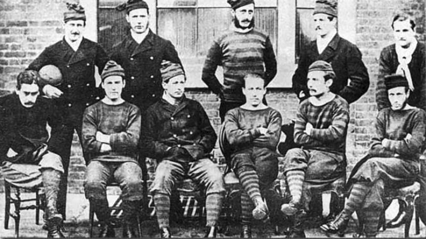 Когда в России появился футбол и какими были первые болельщики