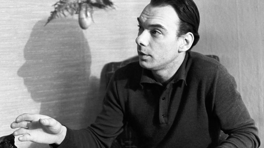От простого парня до интеллигента: пять главных ролей Алексея Баталова