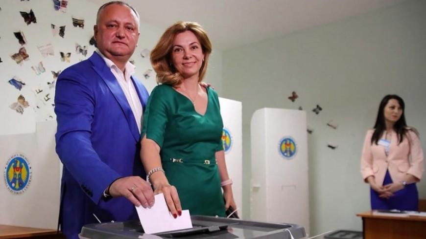 Додон на выборах мэра Кишинева проголосовал за профессионала