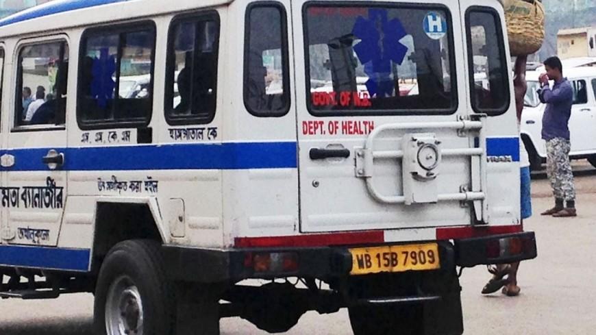 Правительственный самолет врезался в здание в Индии, есть жертвы