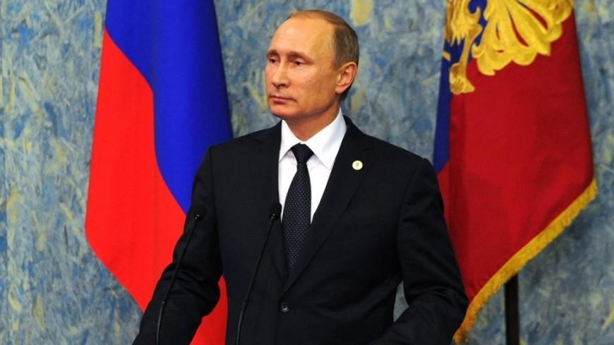 Опрос: две трети россиян в целом довольны работой Путина
