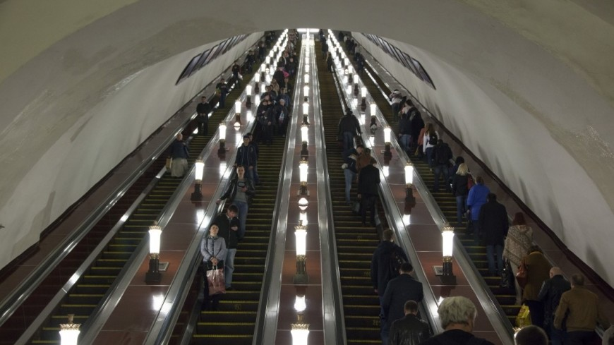Московский метрополитен,,метро, метрополитен, эскалатор, люди, толпа, пассажир,