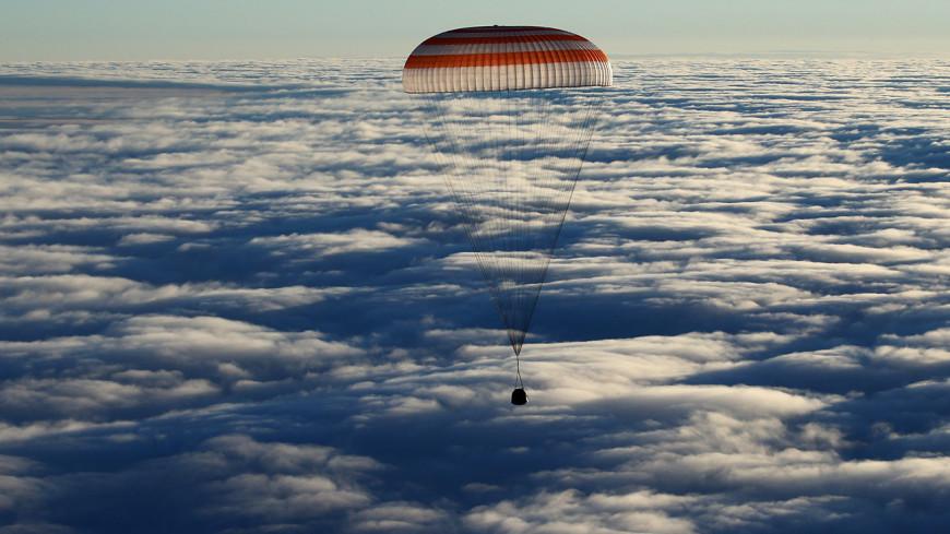 Капсула с экипажем МКС вошла в плотные слои атмосферы