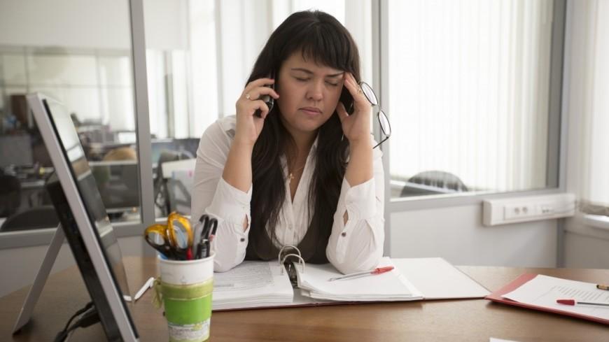 Работа в офисе,офис, кабинет, работа, телефон, стресс, усталость, труд, офисная работа, рабочее место, сотрудник,офис, кабинет, работа, телефон, стресс, усталость, труд, офисная работа, рабочее место, сотрудник