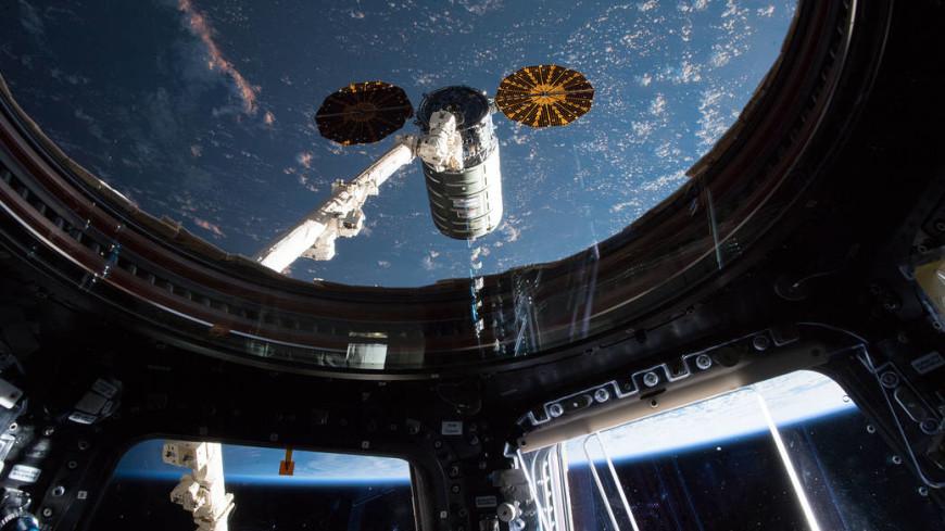 «Союз» с тремя космонавтами отстыковался от МКС