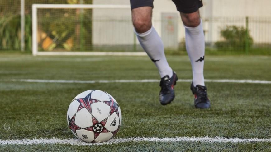 """Фото: Дмитрий Белицкий (МТРК «Мир») """"«Мир 24»"""":http://mir24.tv/, бутсы, футбол, спорт, футбольное поле, мяч, футбольный мяч"""