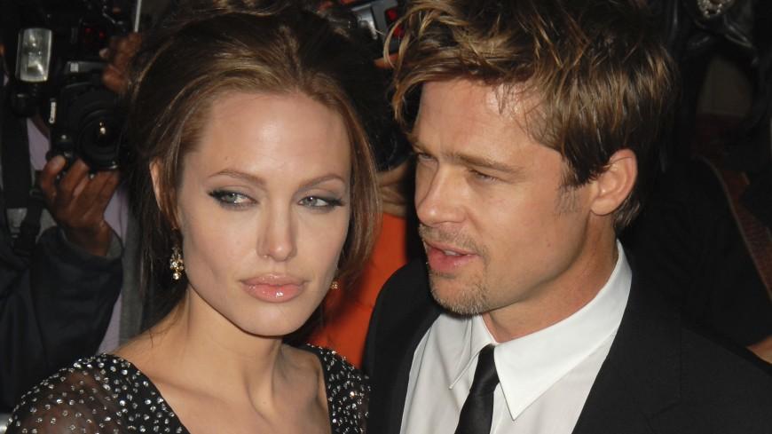 Джоли требует от Питта алименты на содержание детей