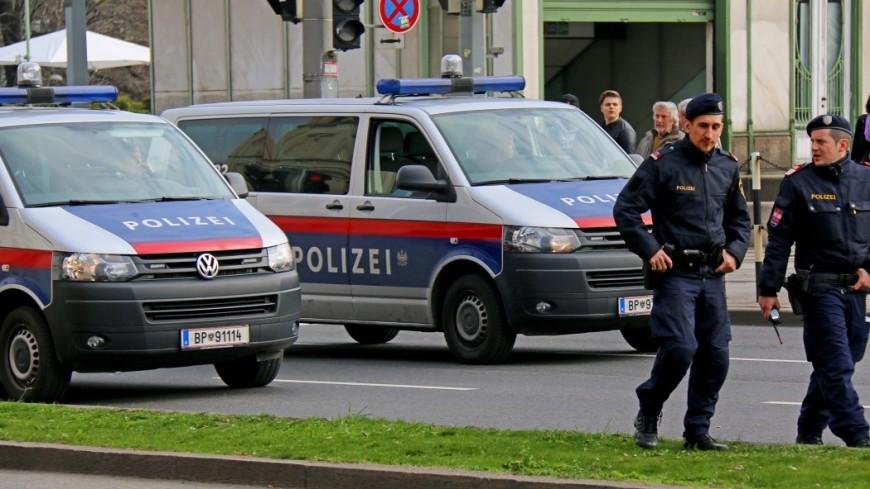 В Нидерландах фургон протаранил здание редакции газеты