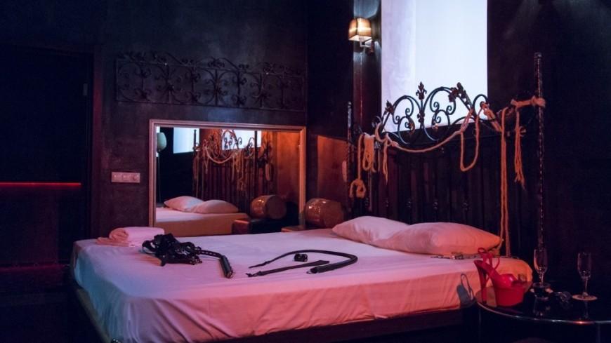 Сборная Мексики устроила оргию с 30 проститутками перед вылетом на ЧМ