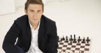 Карякин победил Крамника на турнире претендентов в Берлине