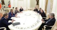Путин призвал соперников по выборам объединиться ради России