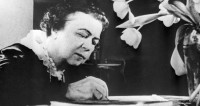 Революция «стакана воды»: история феминизма в СССР