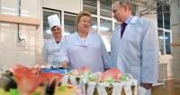 Сладкий «Буран»: Путина встретили «без каблуков», но с тортом