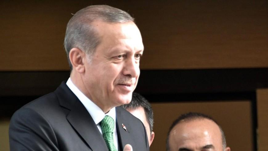 Эрдоган поздравил Путина с переизбранием на пост президента