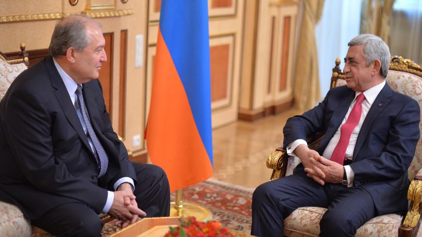 Саргсян поздравил Саркисяна с избранием на пост президента Армении