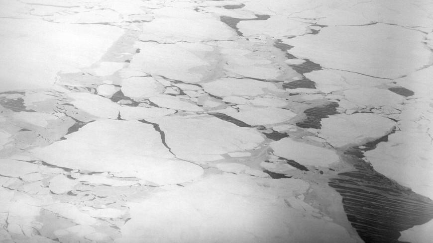 В магаданской бухте спасли рыбаков с дрейфующих льдин