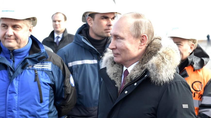 Кот Мостик сопровождал Путина на Крымском мосту